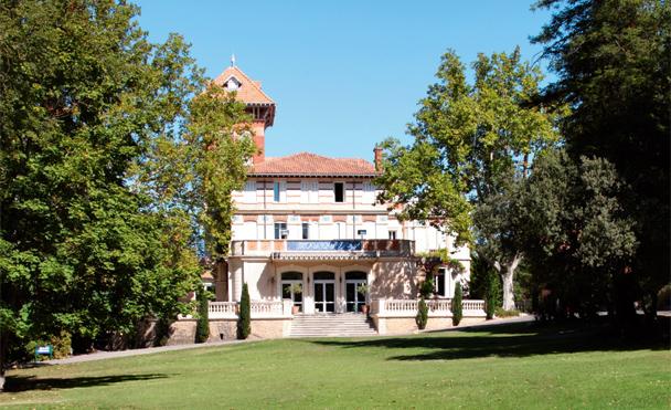 club-belambra-isle-sorgue-chateau