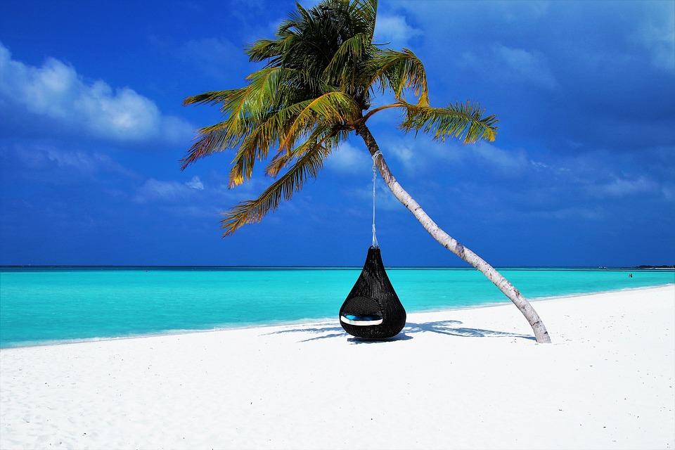 Senior célibataire en vacances